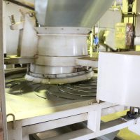 製茶機械は水やお湯で洗浄し、常に衛生面に心がけています